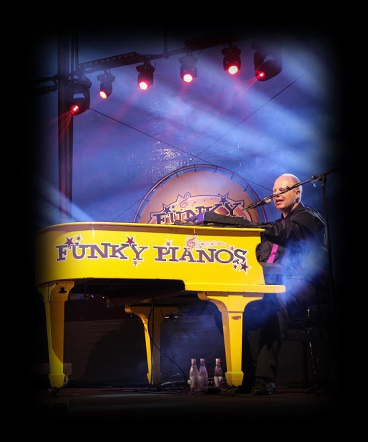 Hollywoodcafé Funky Pianos