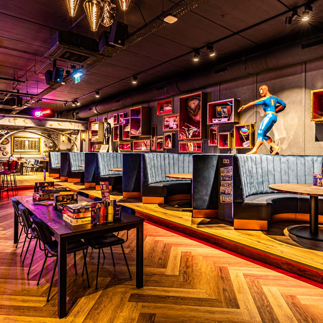 HollywoodCafé Amsterdam Carseats